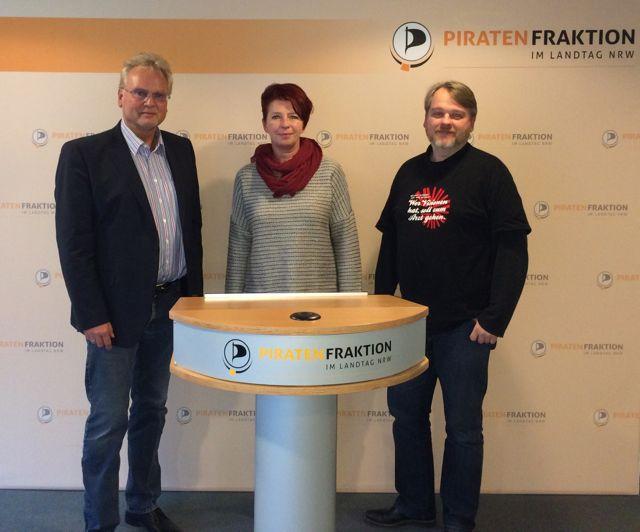 v.lks.: Jürgen Ortmüller (WDSF), Simone Brand (stellv. Frakt.vors. Piraten-Partei NRW), Jens Ballerstädt-Koch (polit. Geschäftsführer Piraten-Partei NRW) WDSF-Foto